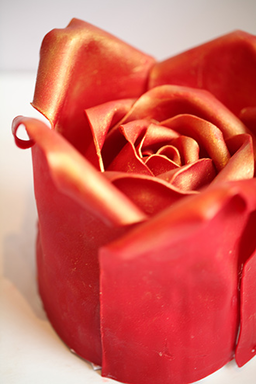 Patisserie Tony Wong Red Rose Cake.  Image source.