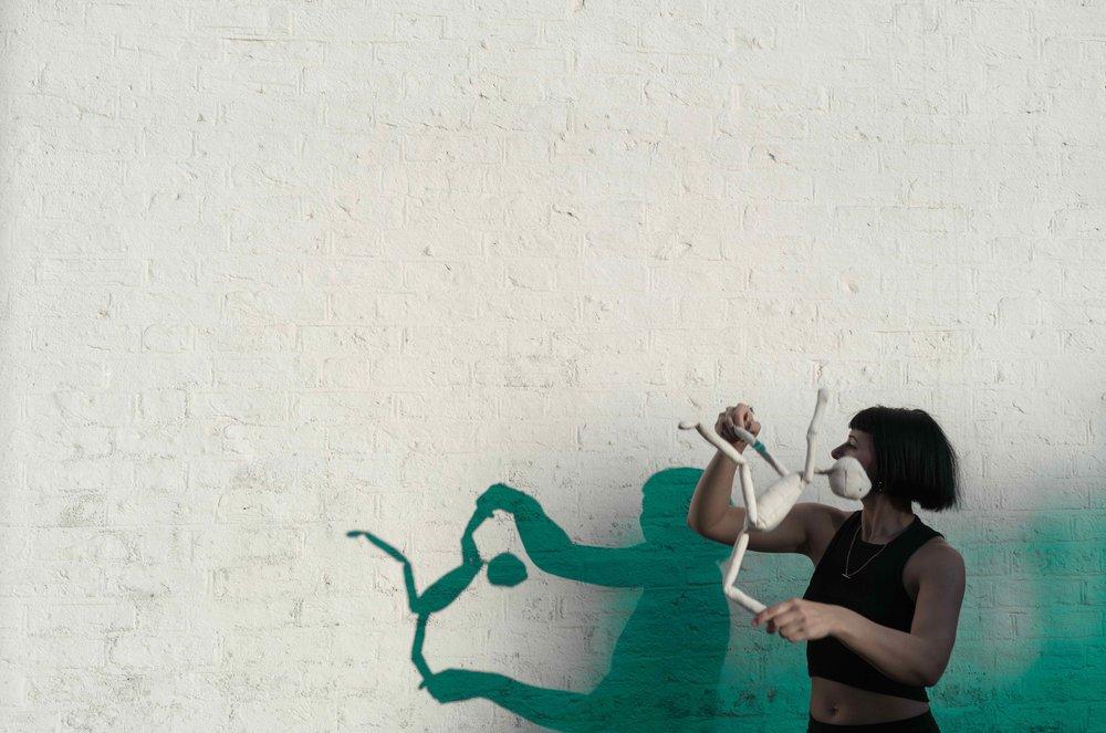 puppet kick green.jpg