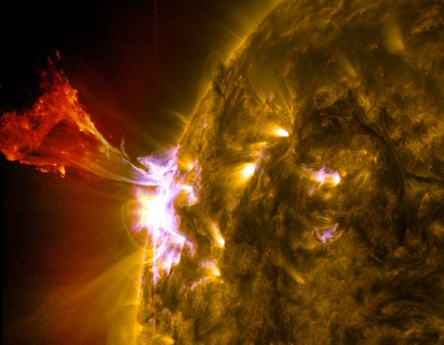 solar-flare-may-3-2013.jpg