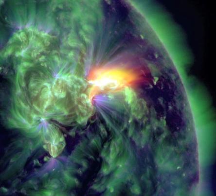 NASA-Hi-Res-617046main_M3.2-solar-flare_full.jpg