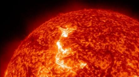 Solar-flares-2012-Solar-flare-can-create-storm(1).jpg