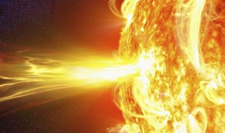 solar-storm-616938.jpg