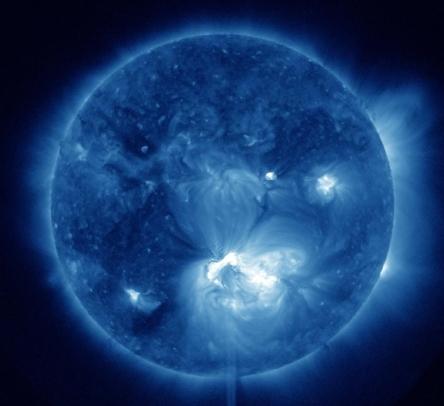 ar-1520-solar-flare-full-disk.jpg