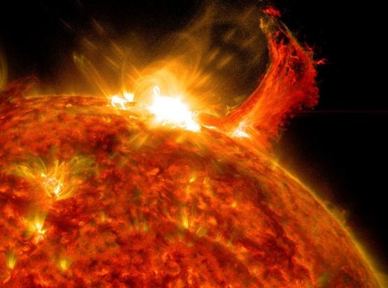 sun-m7-3-flare-zoom.jpg