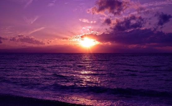 violet_sunset_over_sea_by_liudochka-d7hdoxl.jpg