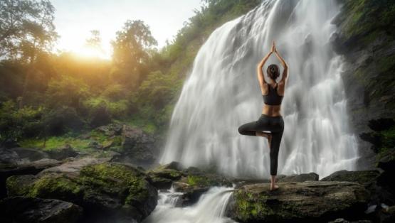 Waterfalls_Yoga_445227.jpg