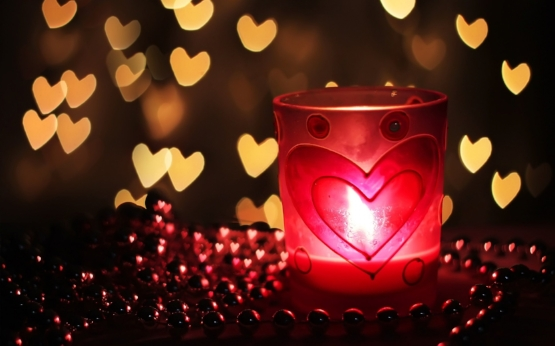 Candle-light-dinner-best-decoration-idea-with-heart-on-valentine-day-for-loved-once.jpg