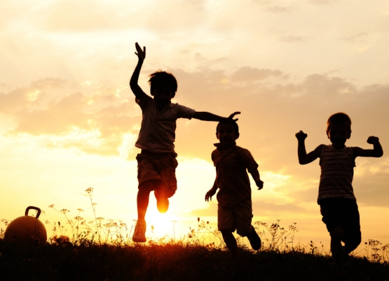 kids-playing-outside.jpg