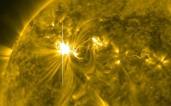 20120306-flare-yel_2162329k.jpg