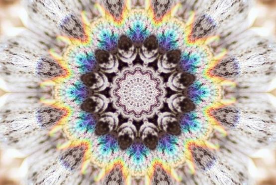 mandala_cosmic_energy_by_parisky-d5l3rzl.jpg