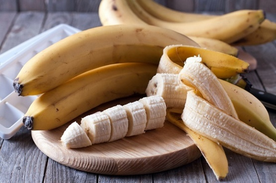 whole-and-sliced-bananas-on-board.jpg