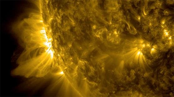 Nasa-records-solar-flare--017.jpg