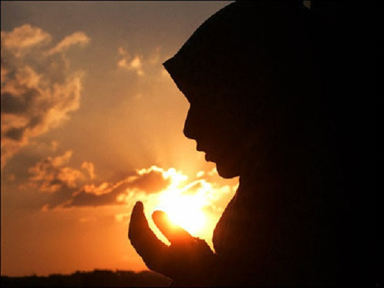 large-women-praying-sun-prayer_freeimagebazaar-516a7473cf601-0100.jpg