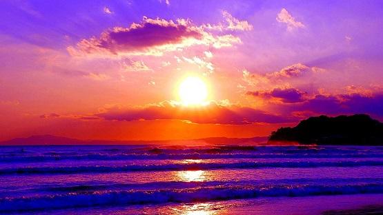 sunsets-sea-horizon-nature-sundown-sunset-waves-beach-wallpaper-sunrise-hd-1366x768.jpg