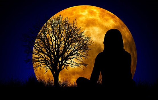 benefits-of-meditation-on-twin-hearts-during-full-moon.jpg