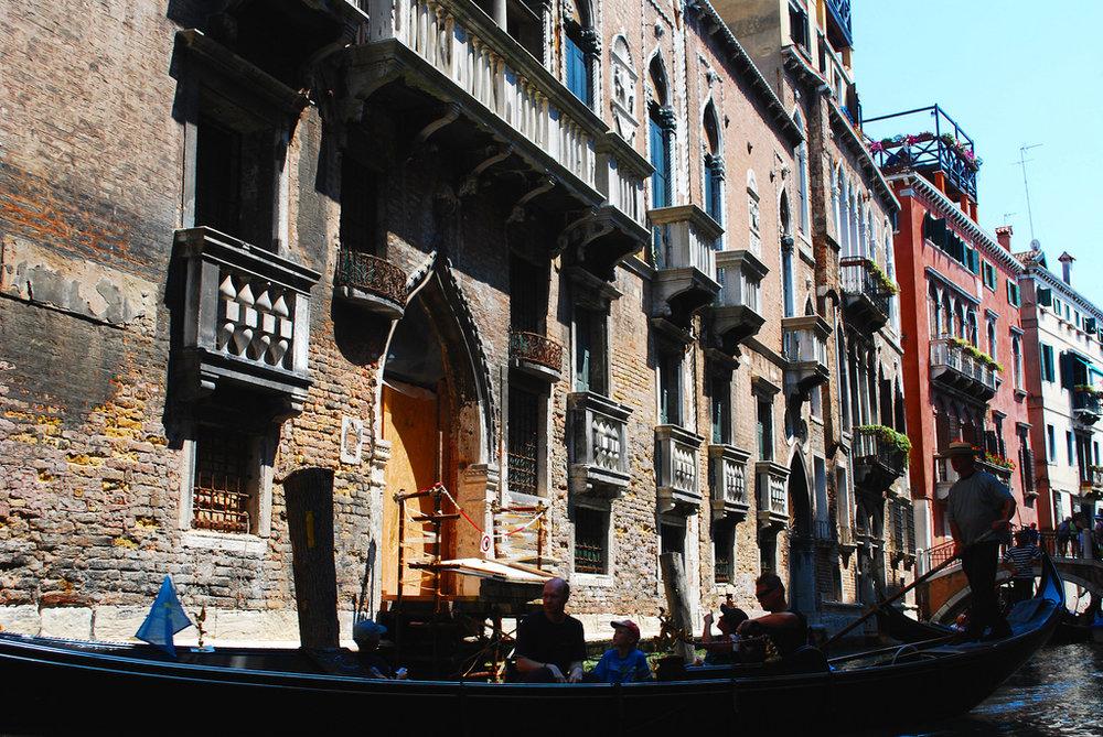 Gondola in Venice.jpg