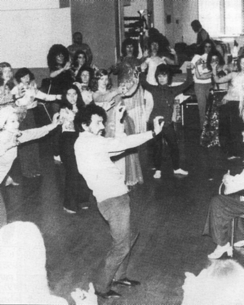 Bert Balladine teaching a belly dance workshop in San Francisco. Photo:  Best of Habibi  Magazine.