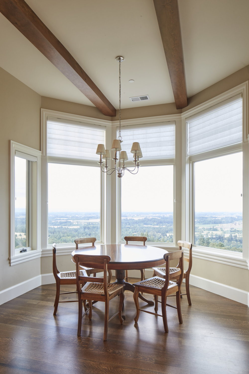 Newberg Custom Home Breakfast Nook