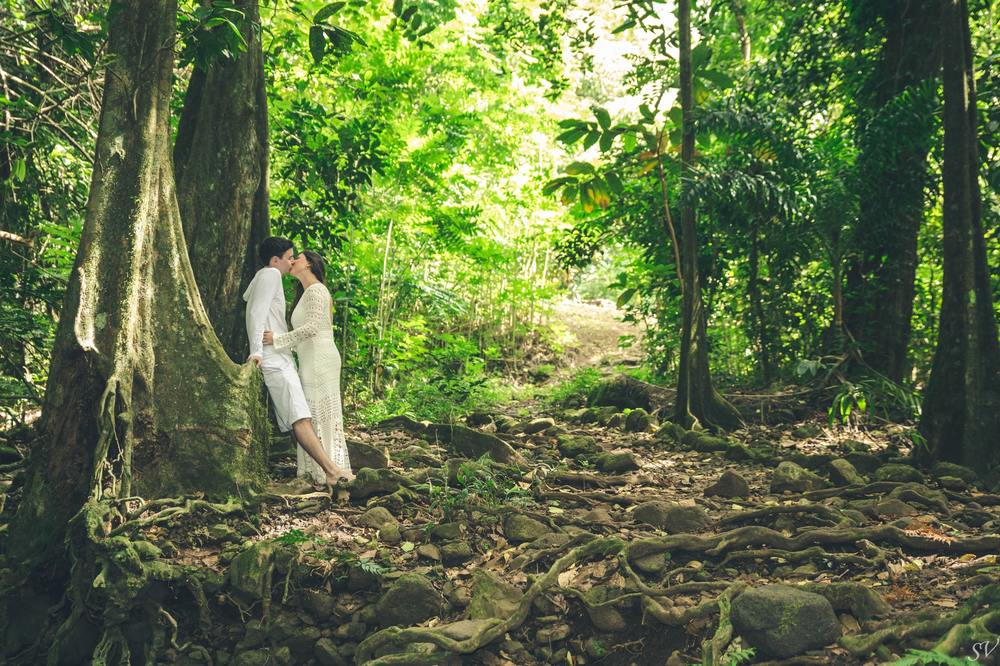 Click here to see the full selection of this honeymoon shoot.