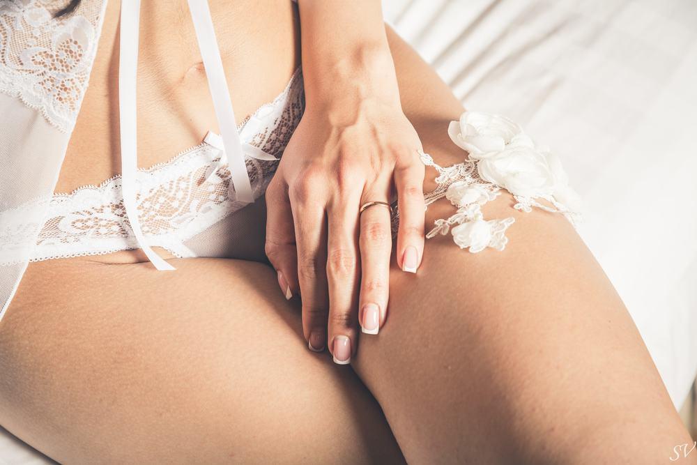 Small feminine details