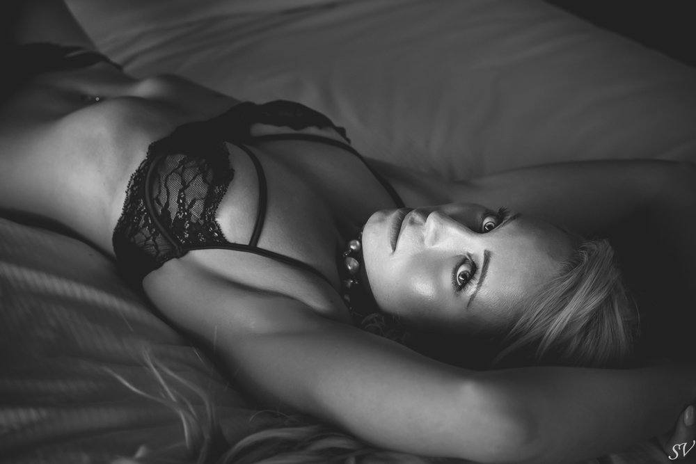 BOUDOIR SESSION - Selection of intimate boudoir