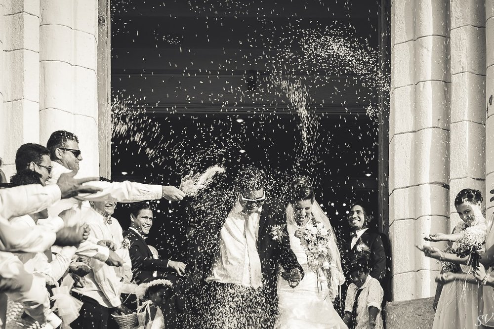 Congrats to the new husband and wife, in Tahiti it's with rice !