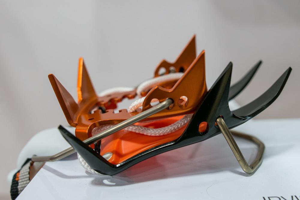 Irvis Crampon - 19 oz. pair