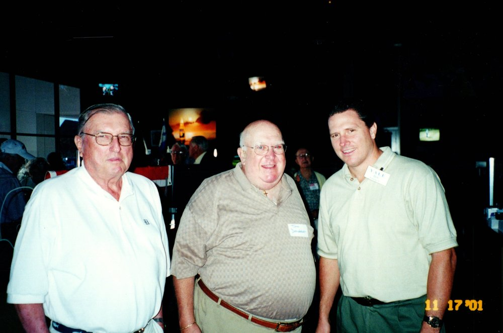 11_17_2001 - THE GAME - SPECTATORS GRILL 6.jpg
