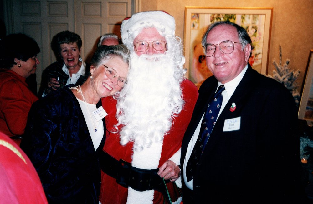 SUE AND FRANK MOORE WITH SANTA CLAUS