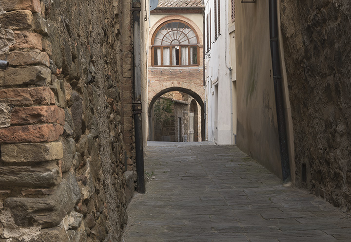 Montalcino Archways
