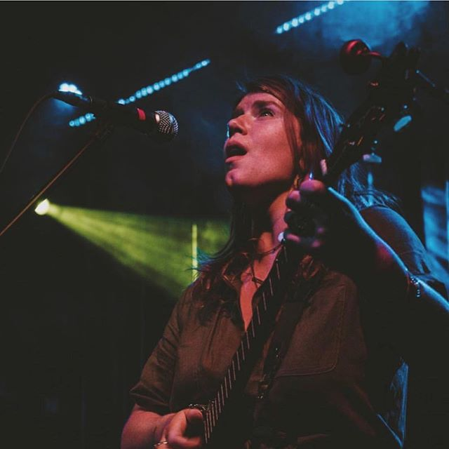 We've been too busy celebrating this week... Happy belated birthday to this very special banjo player lady @beccadeanbiggs !! Epic capture 📷 by @violettephotos