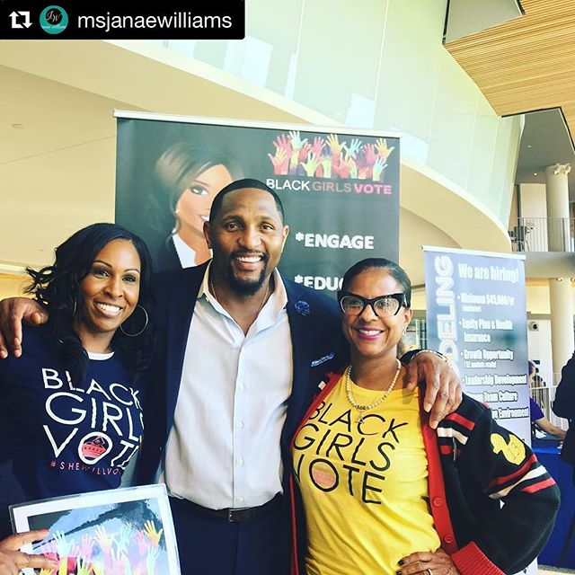 #Repost @msjanaewilliams with @repostapp ・・・#NFL legend RAY LEWIS @raylewis stopped by to support Black Girls Vote at Morgan State University @morganstateu! We #Love those that #Support BGV! @blackgirlsvote #blackgirlsvote #shewillvote #OneVote #SuperBowlChamp #BaltimoreRavens @ravens #Ravens #Football #Sports #BGV #HeWillVote #BeTheVoice