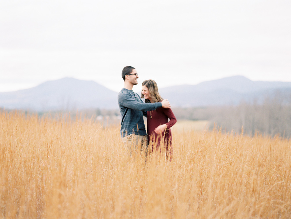Sierra Vista Romantic Mountain Engagement | Film Photography | Lynchburg, Virginia | Kelsey & Nate | kelseyandnate.com