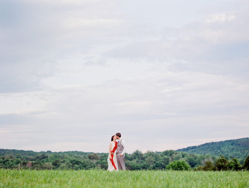 Lynchburg Virginia | Sorella Farms | Charlottesville Virginia | Wedding Photographer | Kelsey & Nate | kelseyandnate.com | Scottish Wedding | Red Tartan |