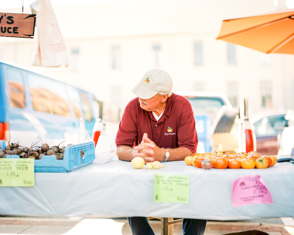 Downtown Lynchburg Community Market | Farmer's Market | Lynchburg Virginia Photographer | Kelsey & Nate | kelseyandnate.com