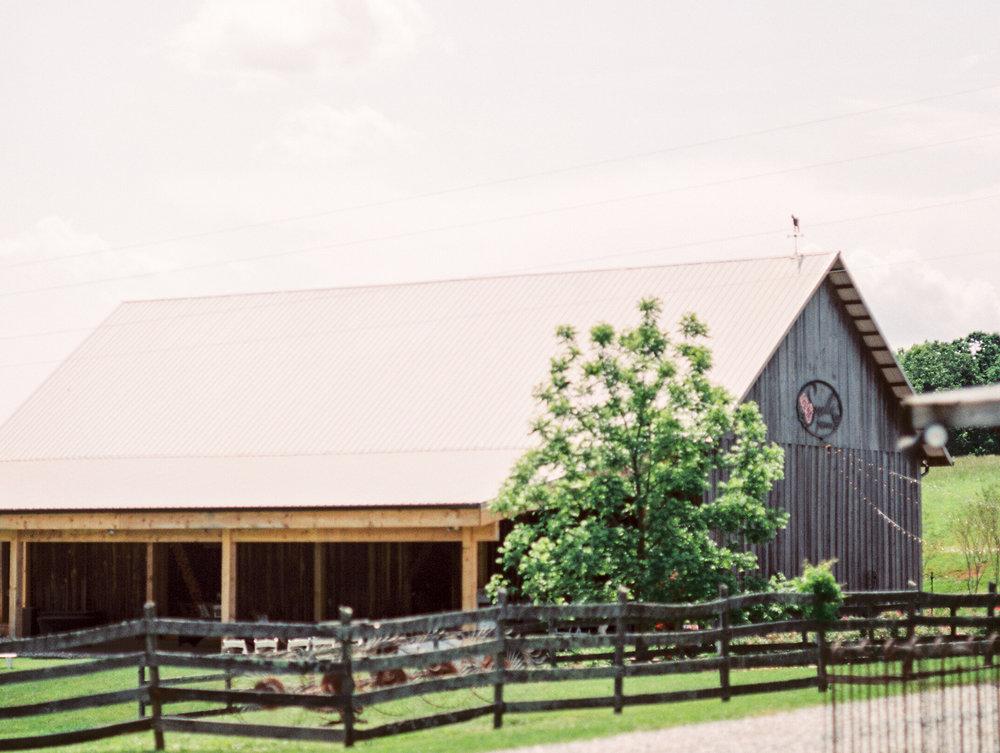 Sorella-farms-barn-wedding-venue-lynchburg-film-photographer-1.jpg