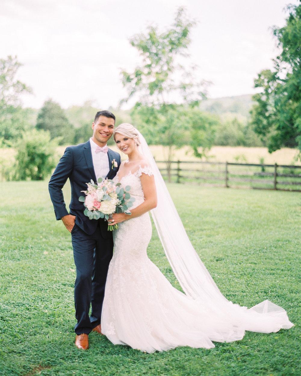 Sorella-farms-barn-wedding-venue-lynchburg-film-photographer-36.jpg