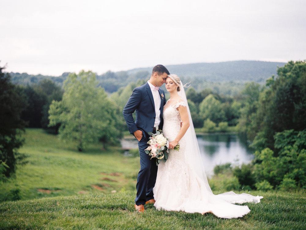 Sorella-farms-barn-wedding-venue-lynchburg-film-photographer-59.jpg
