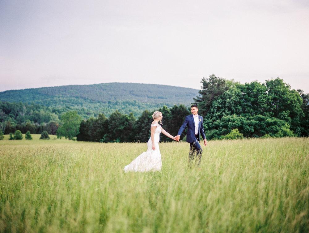 Sorella-farms-barn-wedding-venue-lynchburg-film-photographer-64.jpg