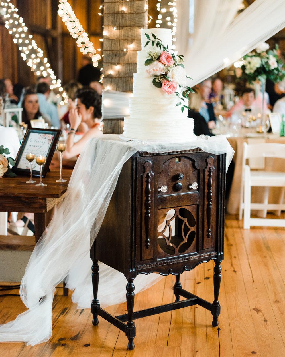 Sorella-farms-barn-wedding-venue-lynchburg-film-photographer-84.jpg