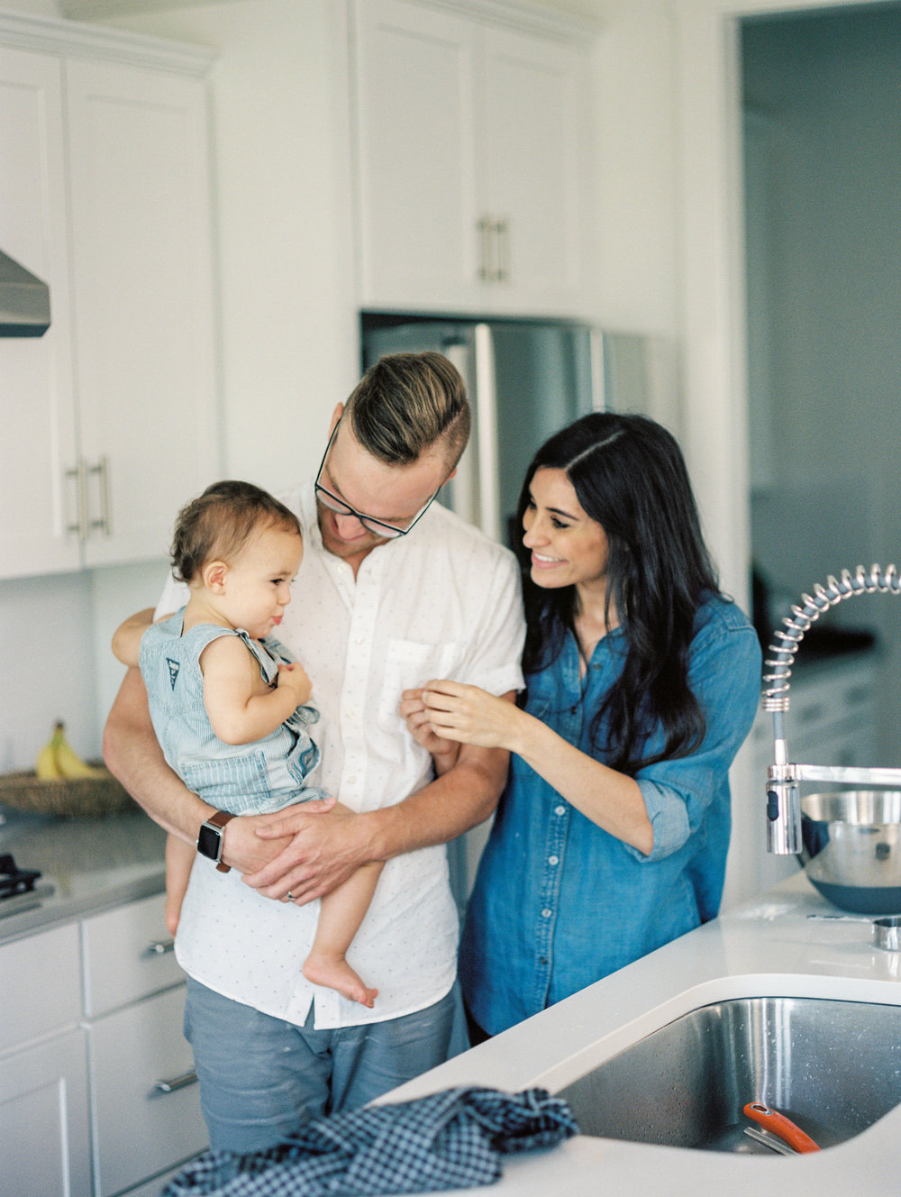 Lynchburg_DC_family_wedding_film_photographer_white_kitchen_baby_announcement-28.jpg