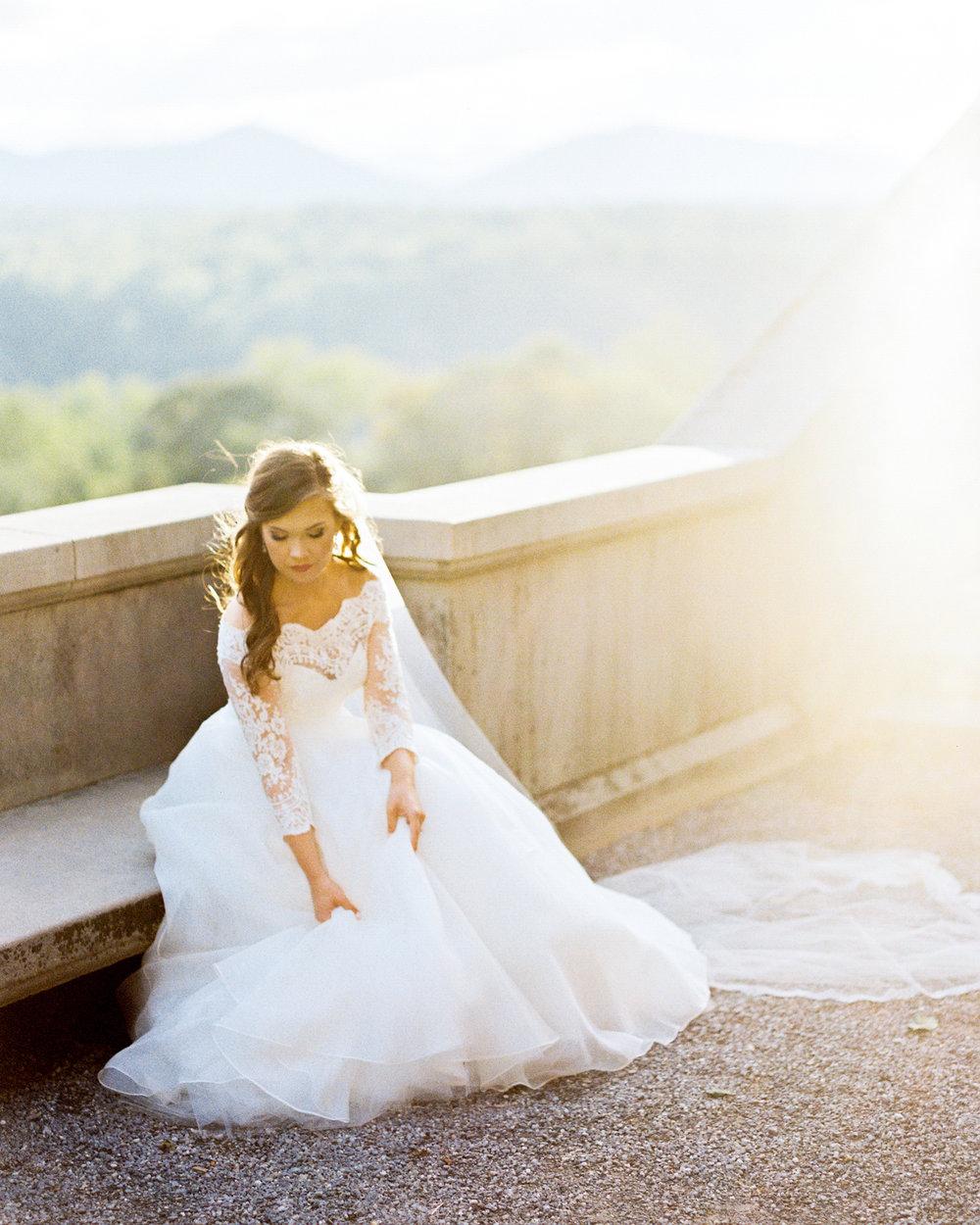 timeless-classy-cathedral-veil-bridal-session-biltmore-north-carolina-wedding-film-photographer-16.jpg