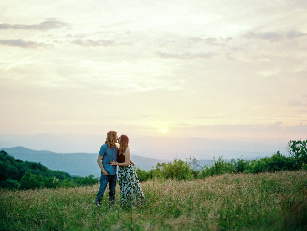 Blue-ridge-mountains-film-wedding-charlottesville-photographer-23.jpg