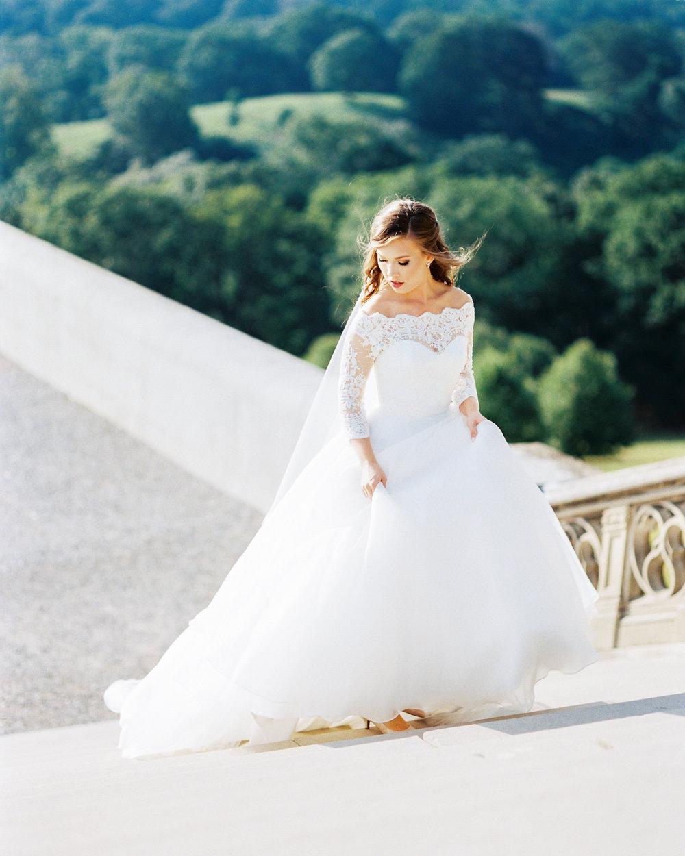 timeless-classy-cathedral-veil-bridal-session-biltmore-north-carolina-wedding-film-photographer-6.jpg