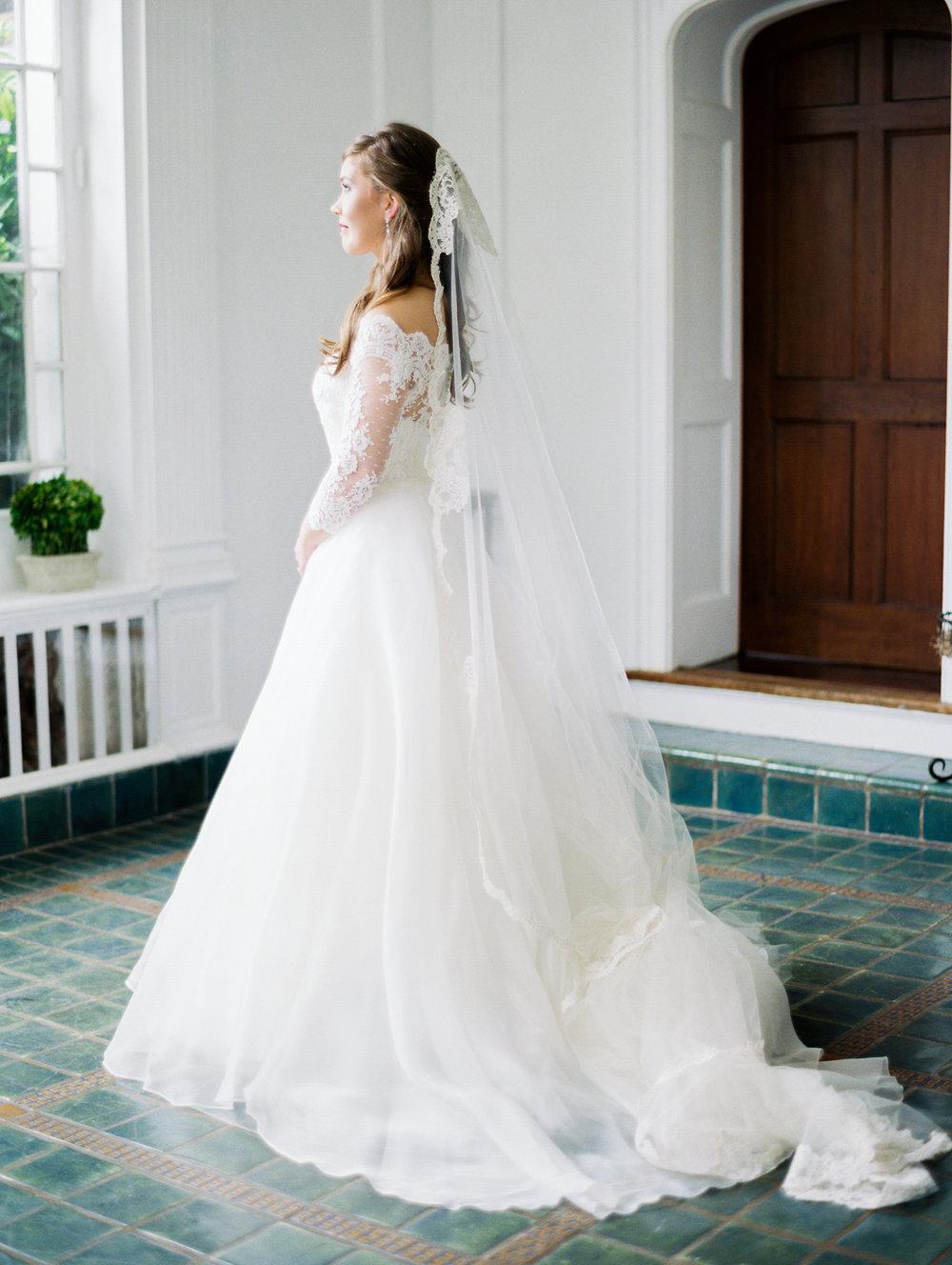 gassaway-mansion-greenville-south-carolina-luxury-film-wedding-photographer-11.jpg