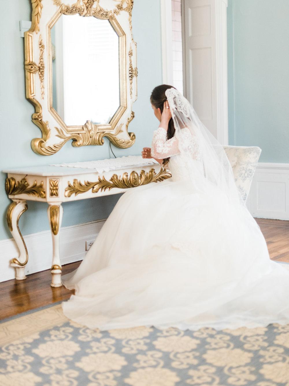 gassaway-mansion-greenville-south-carolina-luxury-film-wedding-photographer-15.jpg