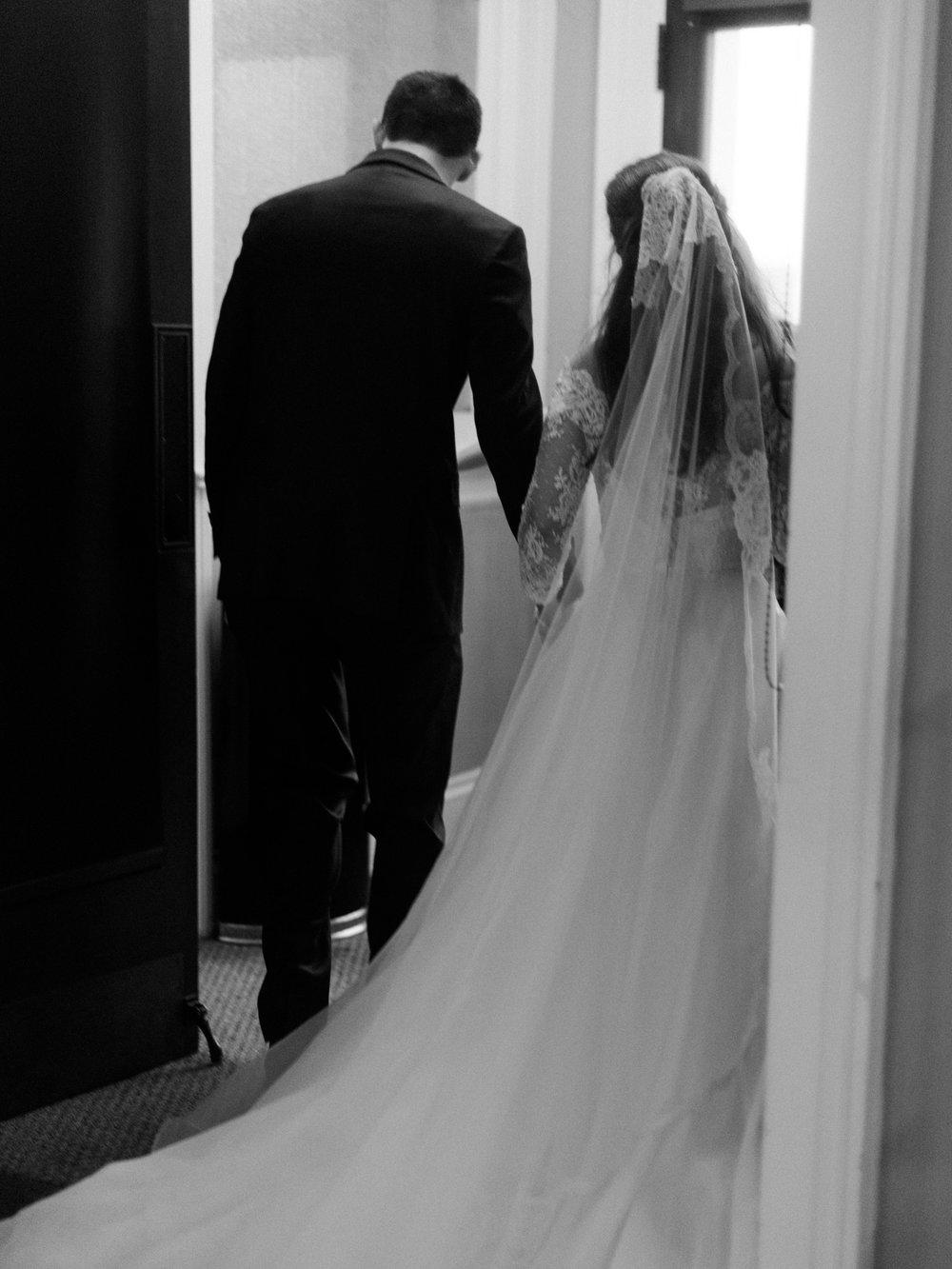 gassaway-mansion-greenville-south-carolina-luxury-film-wedding-photographer-31.jpg