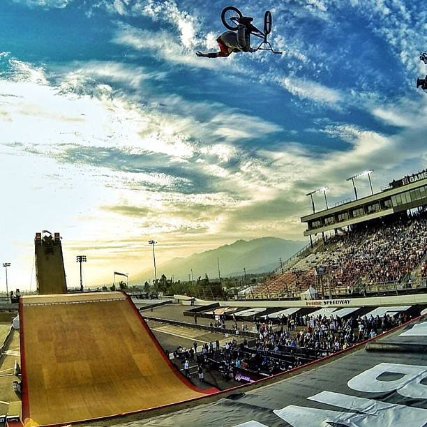 Morgan Wade seems to be getting to grips with the mega ramp … !