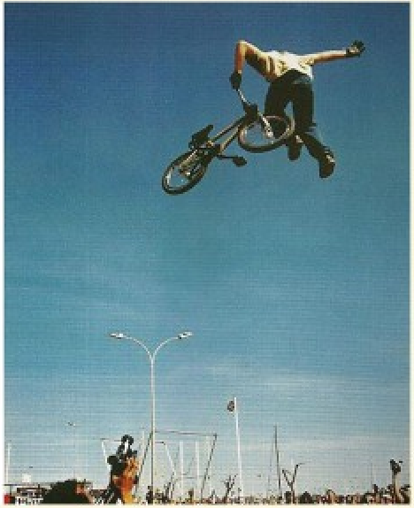 Taj. Iconic one handed whip at Palavas in the early 00s.
