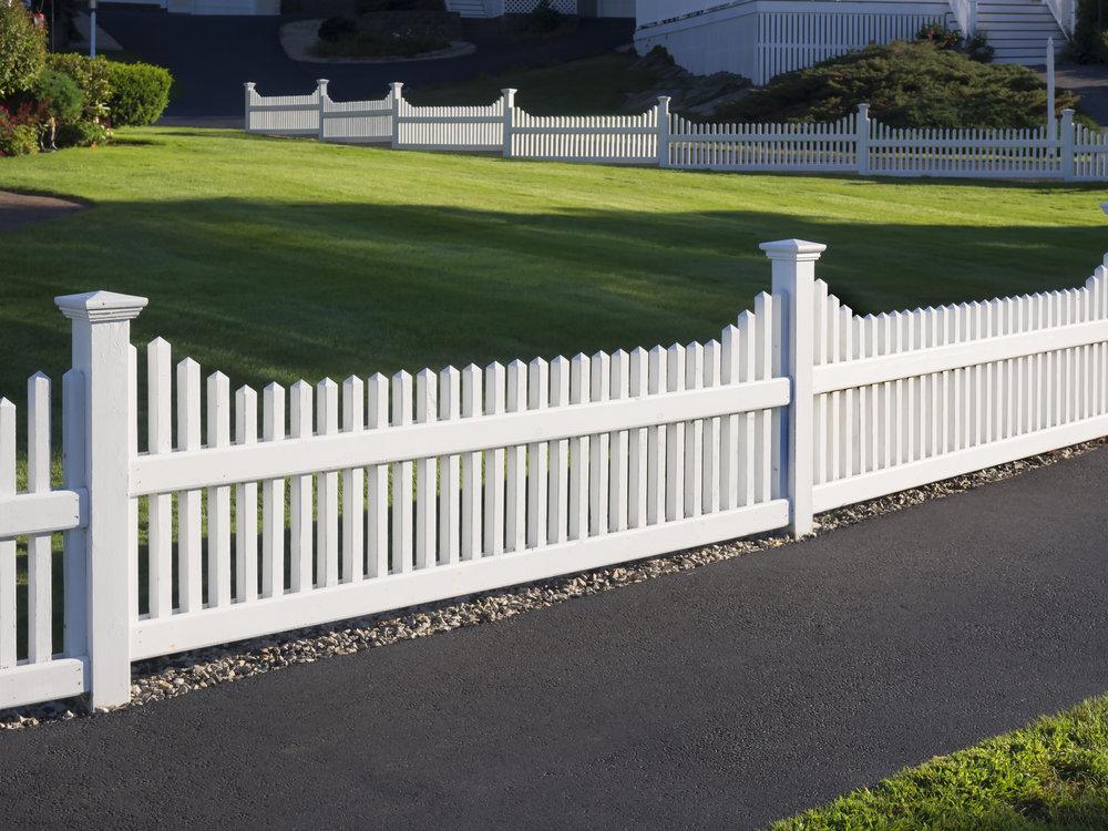 fence white estate landscape design